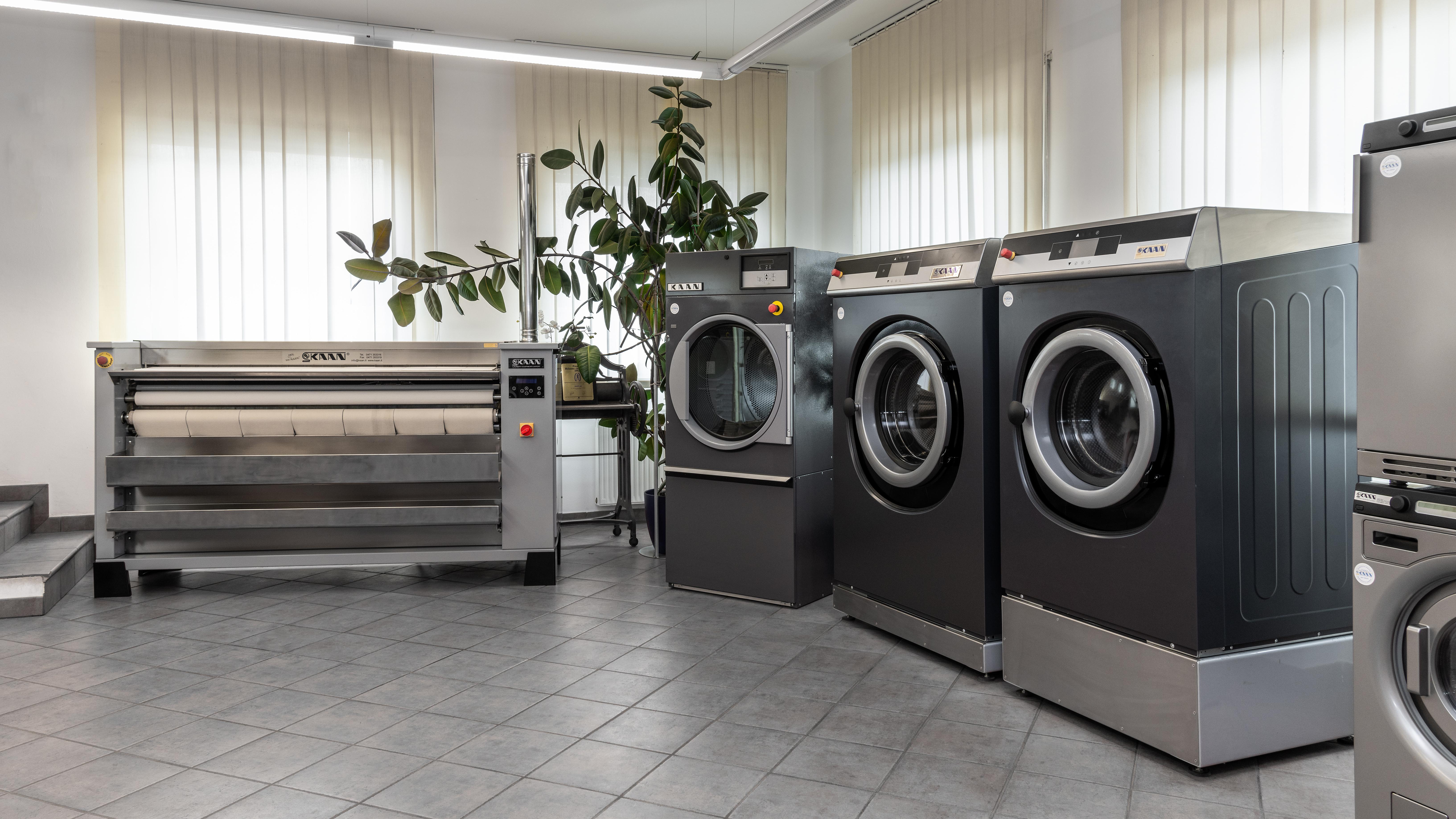 Asciugatrici Usate In Vendita.Vendita Macchine Per Stirare Asciugatrice Industriale Italia